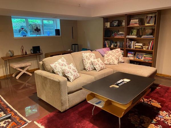 Spacious Ann Arbor Hills Home - Easy Walk to Campus -Close to the Arboretum Home Rental in Ann Arbor 9 - thumbnail