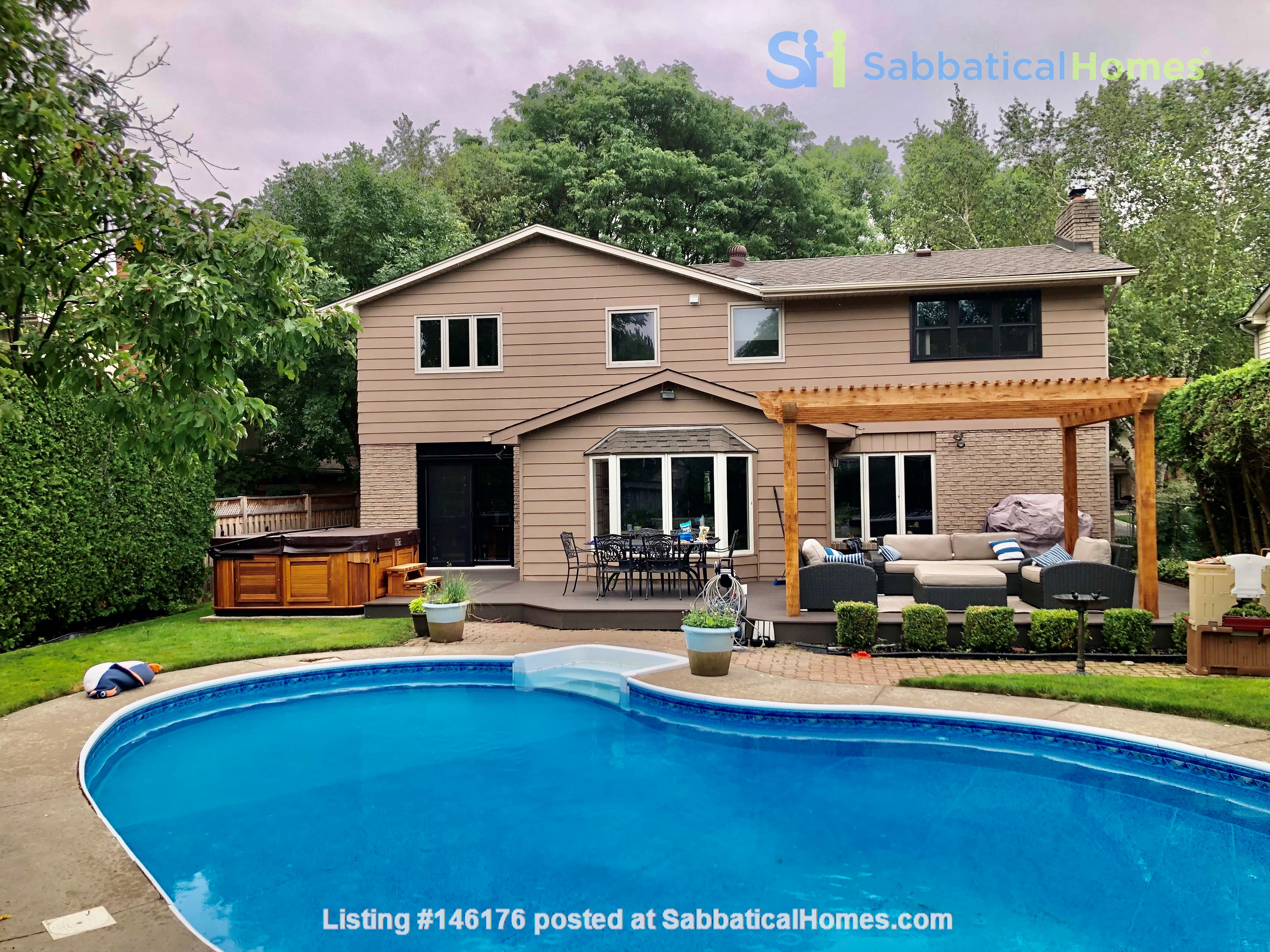Spacious fully equipped family home between Toronto and Hamilton Home Exchange in Burlington 0