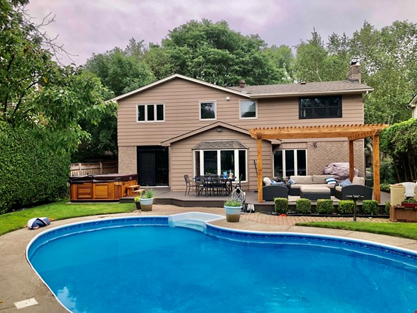Spacious fully equipped family home between Toronto and Hamilton Home Exchange in Burlington 0 - thumbnail