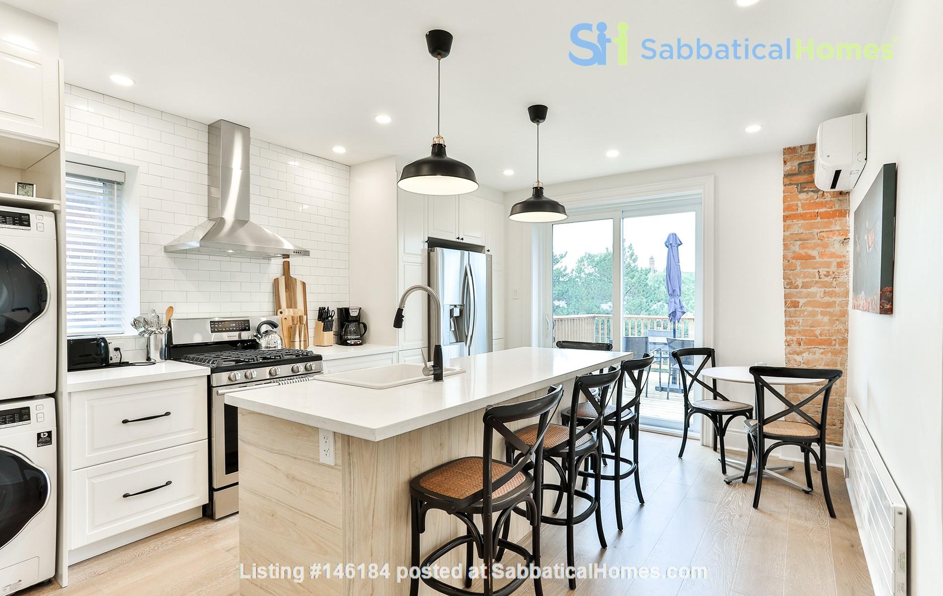Pristine Two Storey Loft in Little Italy/Ossington/Trinity Bellwoods Home Rental in Toronto 4