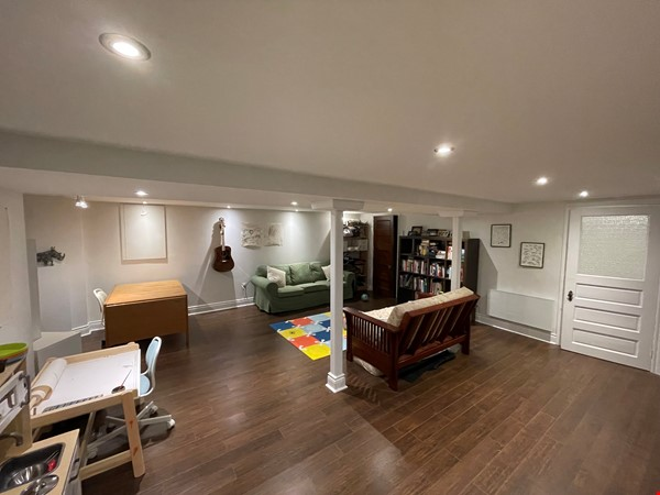 Light and charming 4-bed 100-year old brick row house in central NDG Home Exchange in Montréal 9 - thumbnail