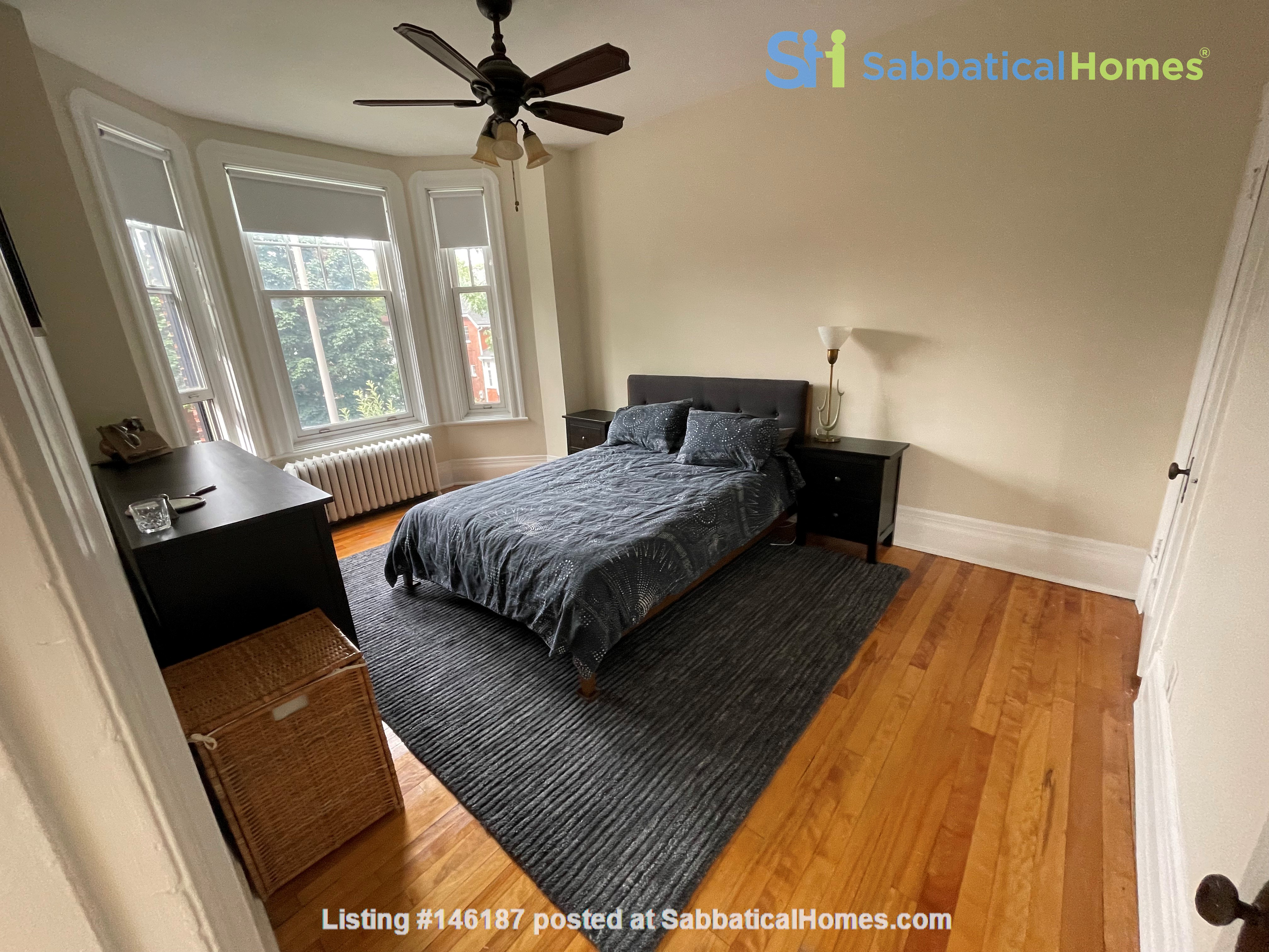Light and charming 4-bed 100-year old brick row house in central NDG Home Exchange in Montréal 4