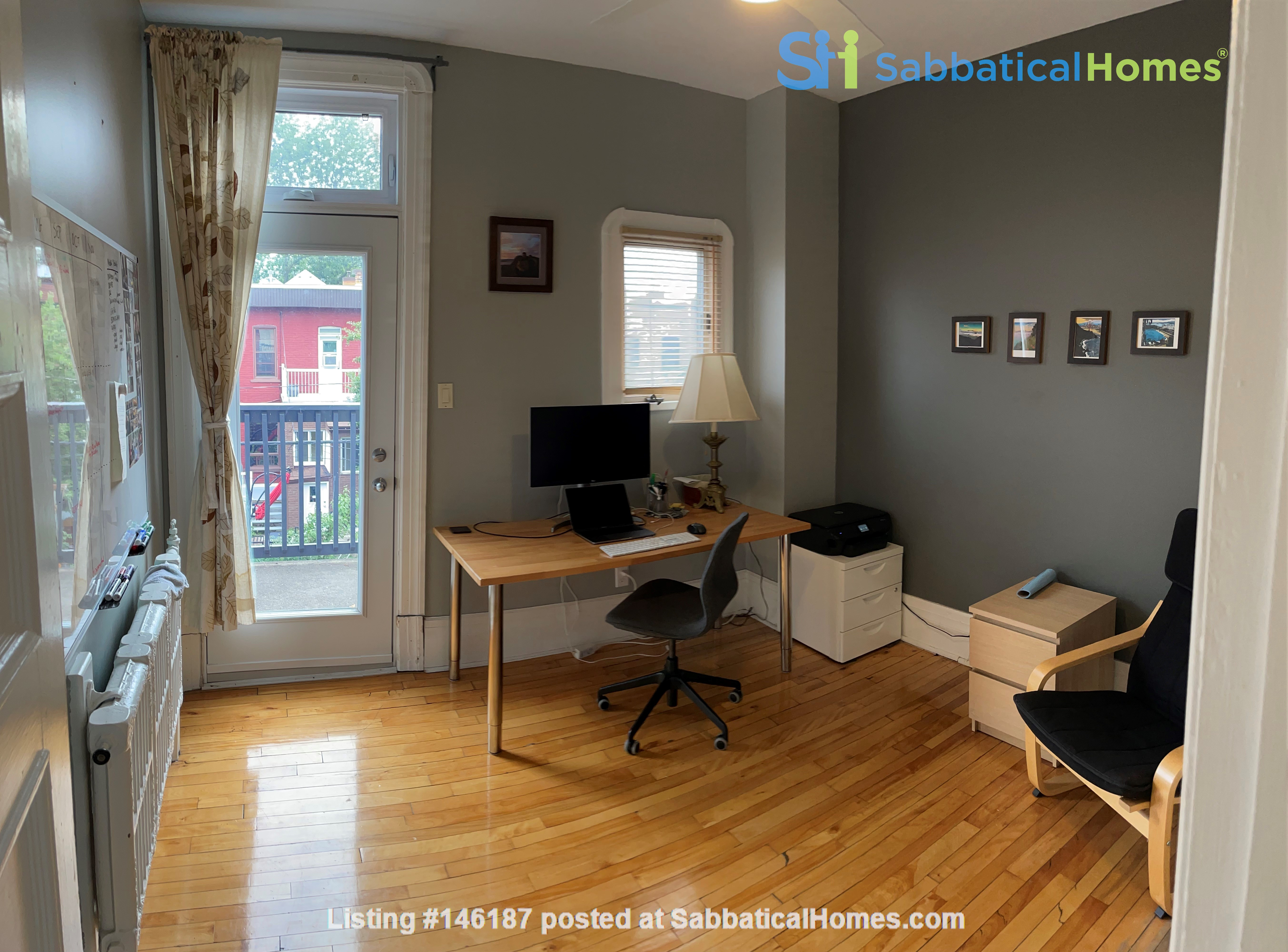 Light and charming 4-bed 100-year old brick row house in central NDG Home Exchange in Montréal 6