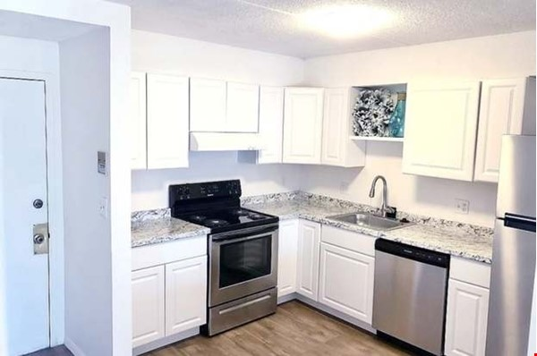 listing image for 2 bedroom 2 bathroom unfurnished apartment in Lynn for short term rent