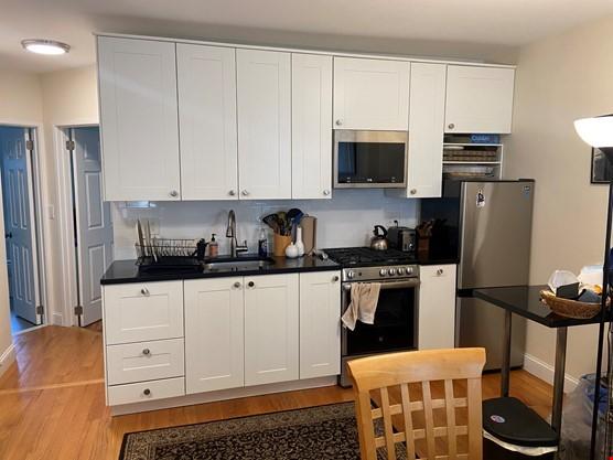 listing image for Rental: furn apt in Park Slope brownstone, all amenities inc washer/dryer