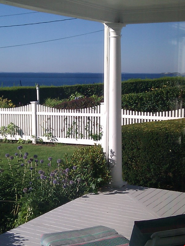 Spacious renovated Victorian with ocean views from every room! Home Rental in Marblehead 3 - thumbnail