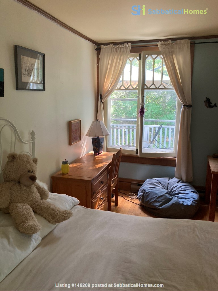 3 BR Historic Arts and Crafts House in Beautiful Wakefield Village Home Rental in Wakefield 6