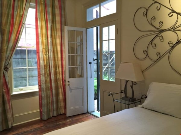Elegant furnished 1-bedroom condo in French Quarter Home Rental in New Orleans 3 - thumbnail