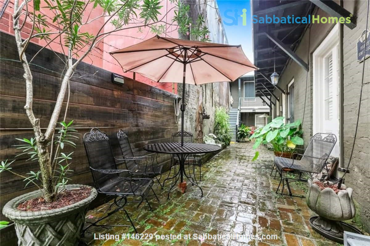 Elegant furnished 1-bedroom condo in French Quarter Home Rental in New Orleans 4