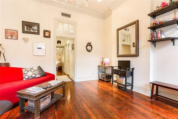 Elegant furnished 1-bedroom condo in French Quarter Home Rental in New Orleans 2 - thumbnail