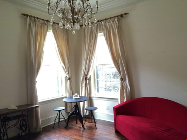 Elegant furnished 1-bedroom condo in French Quarter Home Rental in New Orleans 5 - thumbnail