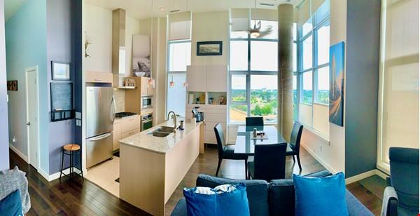 Downtown Train Home Rental in Edmonton 5 - thumbnail