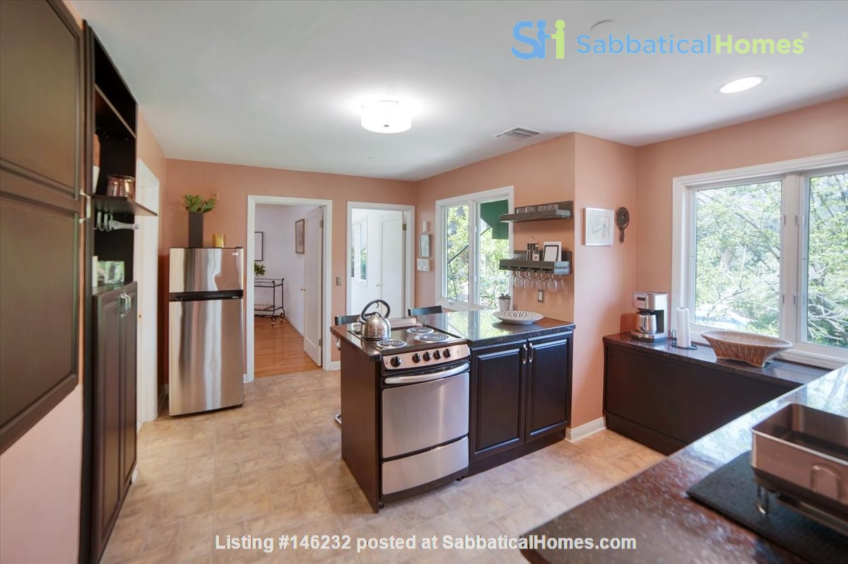 UPSCALE GUEST HOUSE IN SAFE AND BEAUTIFUL HILLS Home Rental in Glendale 3