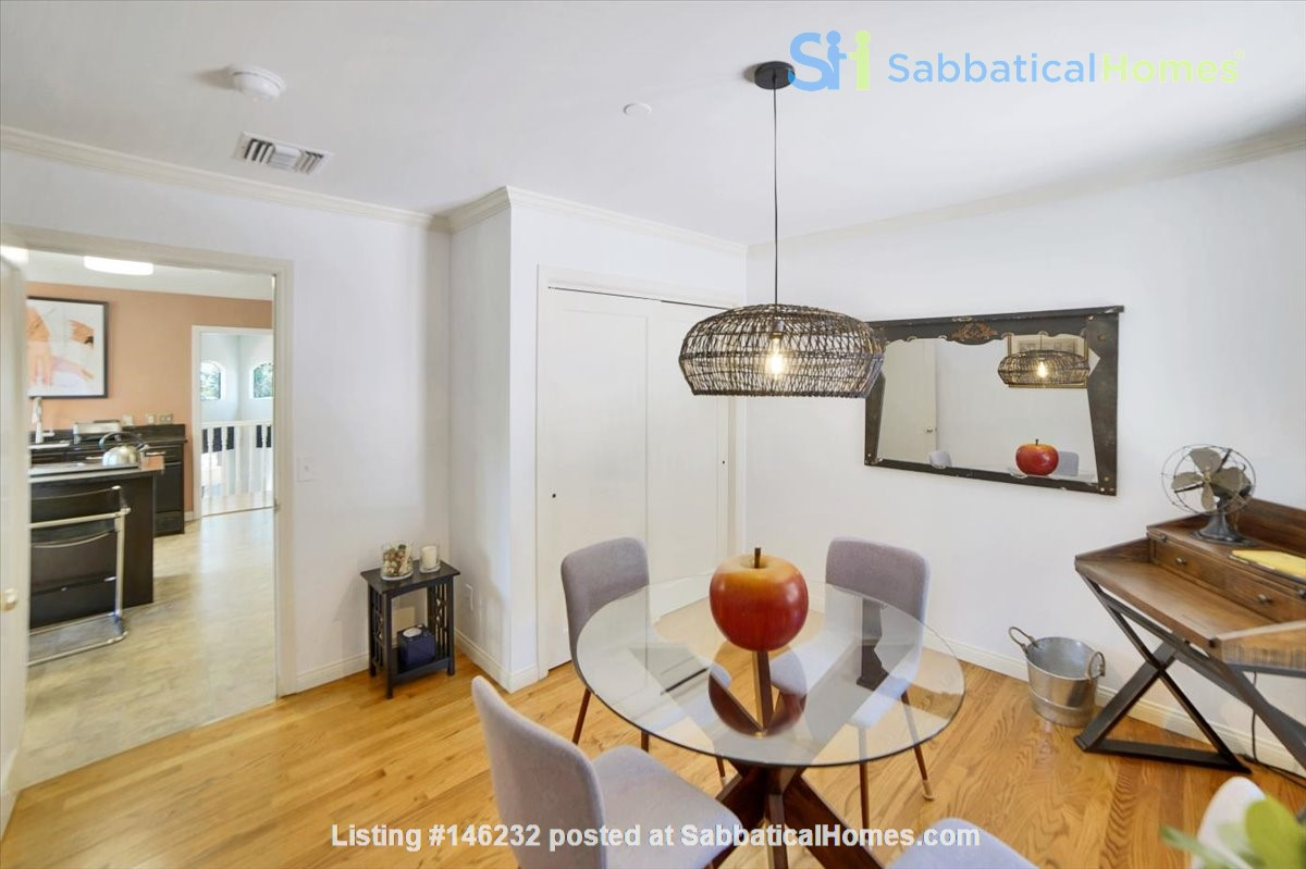 UPSCALE GUEST HOUSE IN SAFE AND BEAUTIFUL HILLS Home Rental in Glendale 4