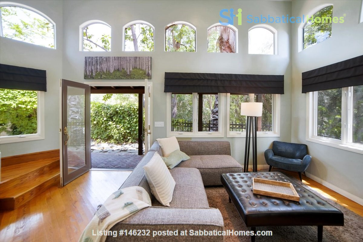 UPSCALE GUEST HOUSE IN SAFE AND BEAUTIFUL HILLS Home Rental in Glendale 0
