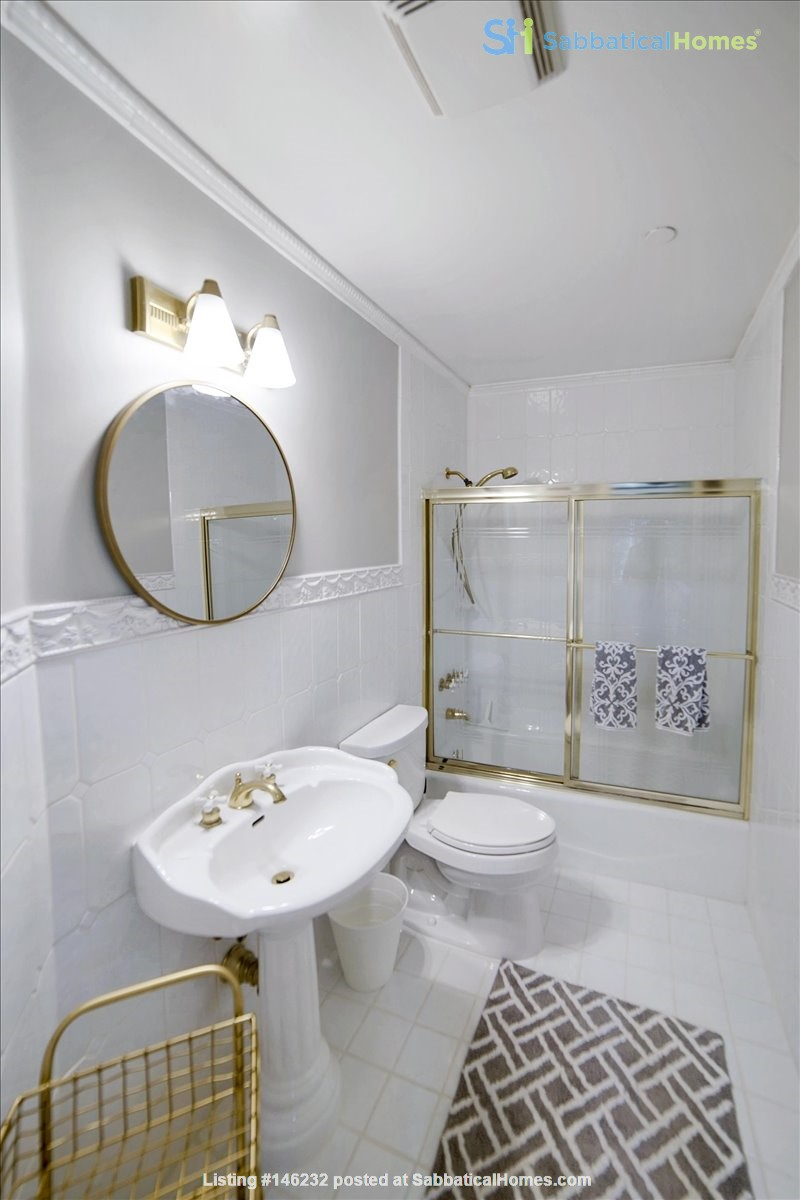 UPSCALE GUEST HOUSE IN SAFE AND BEAUTIFUL HILLS Home Rental in Glendale 7