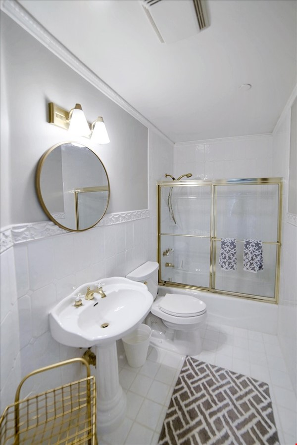 UPSCALE GUEST HOUSE IN SAFE AND BEAUTIFUL HILLS Home Rental in Glendale 7 - thumbnail