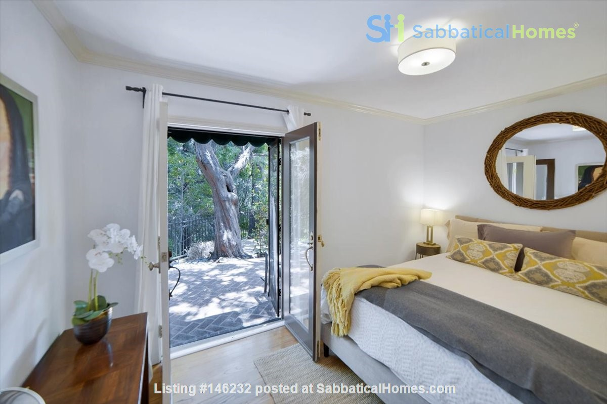 UPSCALE GUEST HOUSE IN SAFE AND BEAUTIFUL HILLS Home Rental in Glendale 5