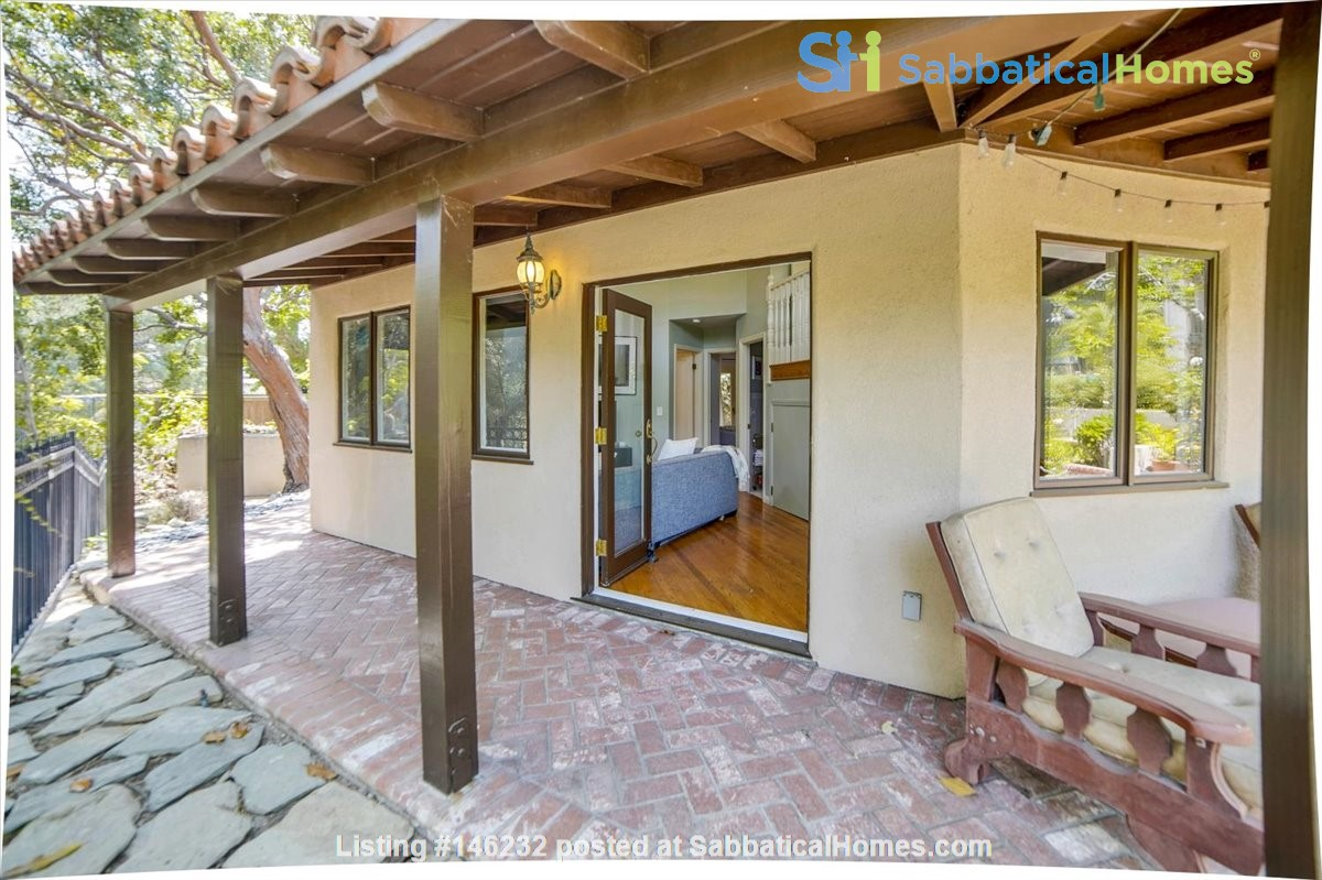 UPSCALE GUEST HOUSE IN SAFE AND BEAUTIFUL HILLS Home Rental in Glendale 1