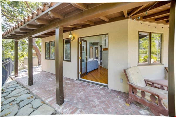 UPSCALE GUEST HOUSE IN SAFE AND BEAUTIFUL HILLS Home Rental in Glendale 1 - thumbnail
