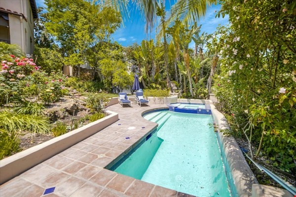 UPSCALE GUEST HOUSE IN SAFE AND BEAUTIFUL HILLS Home Rental in Glendale 9 - thumbnail