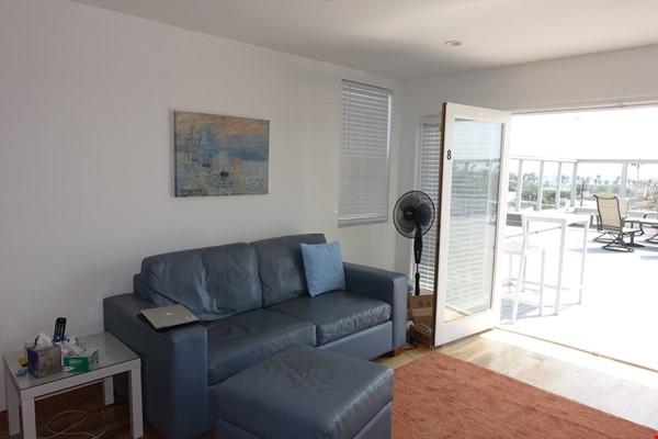 2BR Furnished Condo w/ Ocean View in Santa Monica, Walk to Beach, Transit Home Rental in Santa Monica 5 - thumbnail
