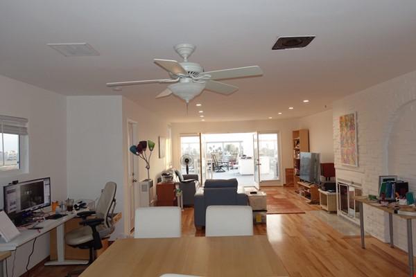 2BR Furnished Condo w/ Ocean View in Santa Monica, Walk to Beach, Transit Home Rental in Santa Monica 1 - thumbnail