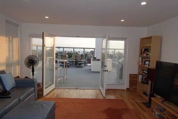 2BR Furnished Condo w/ Ocean View in Santa Monica, Walk to Beach, Transit Home Rental in Santa Monica 2 - thumbnail