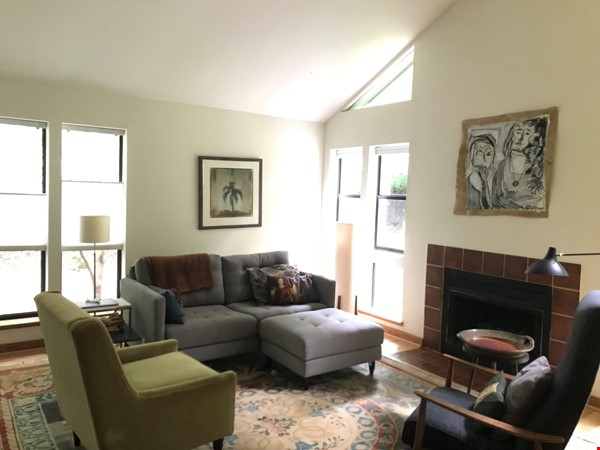Great college town with nice weather & playful, friendly cats. Home Rental in Carrboro 0 - thumbnail