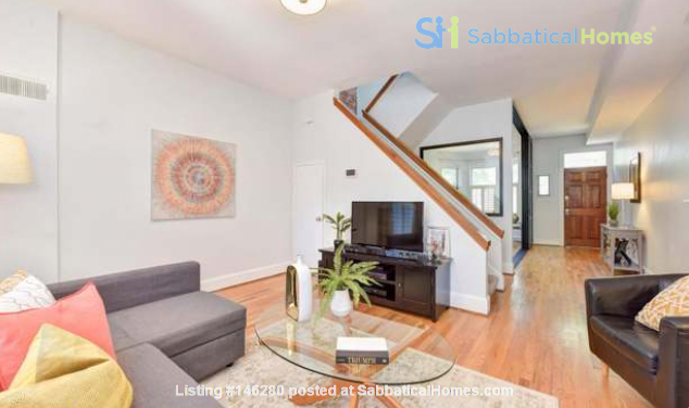 Spacious Capitol Hill Rowhouse with Large Outdoor Space and Parking Home Rental in Washington 2