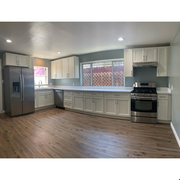 Newly Renovated Apartment for Rent in Oakland, Ca (Temescal Area) Home Rental in Oakland 1 - thumbnail