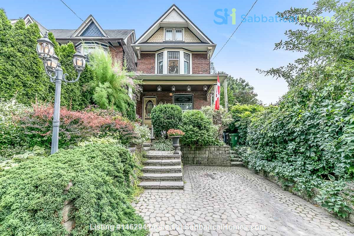 Leslieville 2 Upper Levels 2 beds in Sunny Edwardian Home w/Private Terrace Home Rental in Toronto 0