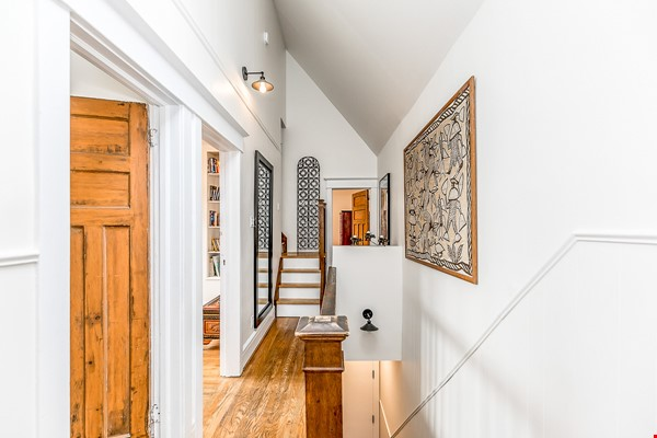 Leslieville 2 Upper Levels 2 beds in Sunny Edwardian Home w/Private Terrace Home Rental in Toronto 1 - thumbnail