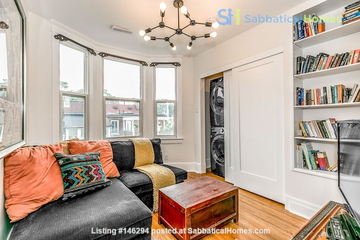 Leslieville 2 Upper Levels 2 beds in Sunny Edwardian Home w/Private Terrace Home Rental in Toronto 2