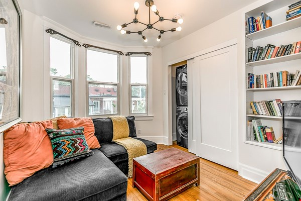Leslieville 2 Upper Levels 2 beds in Sunny Edwardian Home w/Private Terrace Home Rental in Toronto 2 - thumbnail