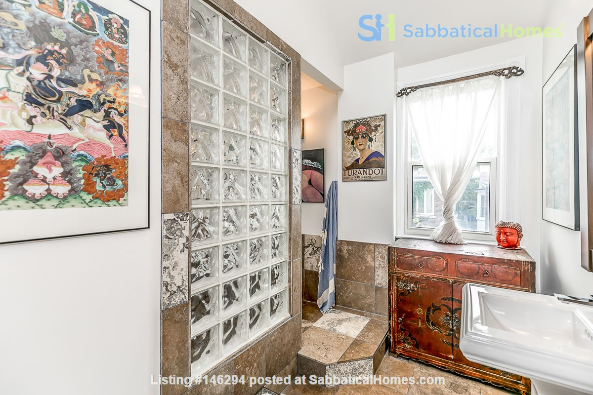 Leslieville 2 Upper Levels 2 beds in Sunny Edwardian Home w/Private Terrace Home Rental in Toronto 4