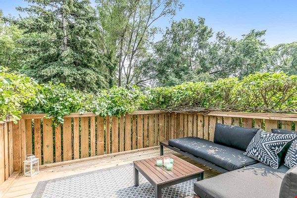 Leslieville 2 Upper Levels 2 beds in Sunny Edwardian Home w/Private Terrace Home Rental in Toronto 9 - thumbnail
