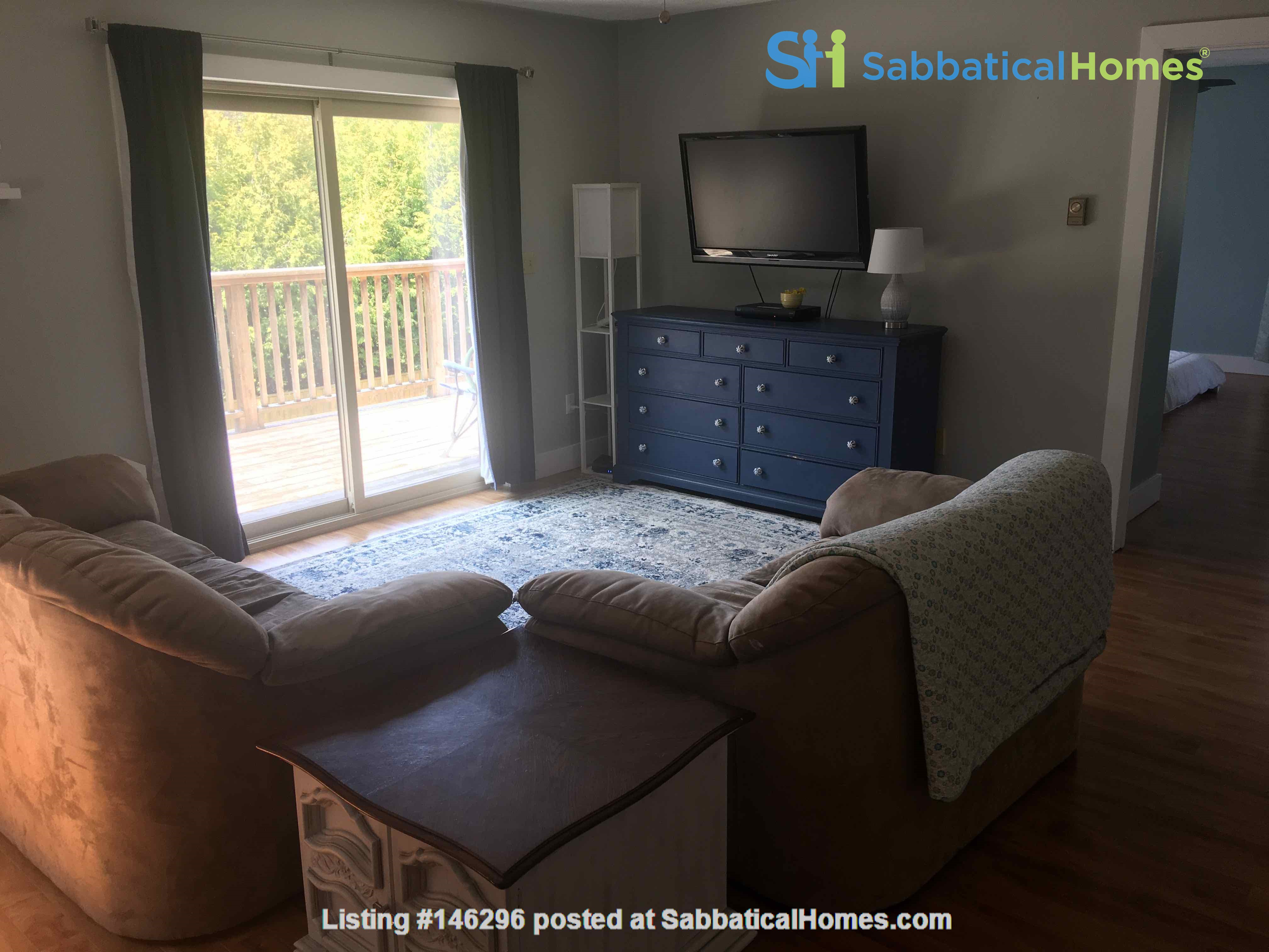Beautiful 4 BR Cottage on the Bruce Peninsula Home Rental in Wiarton 4