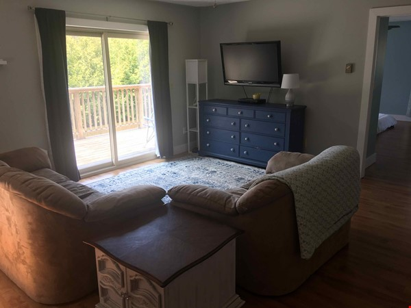 Beautiful 4 BR Cottage on the Bruce Peninsula Home Rental in Wiarton 4 - thumbnail