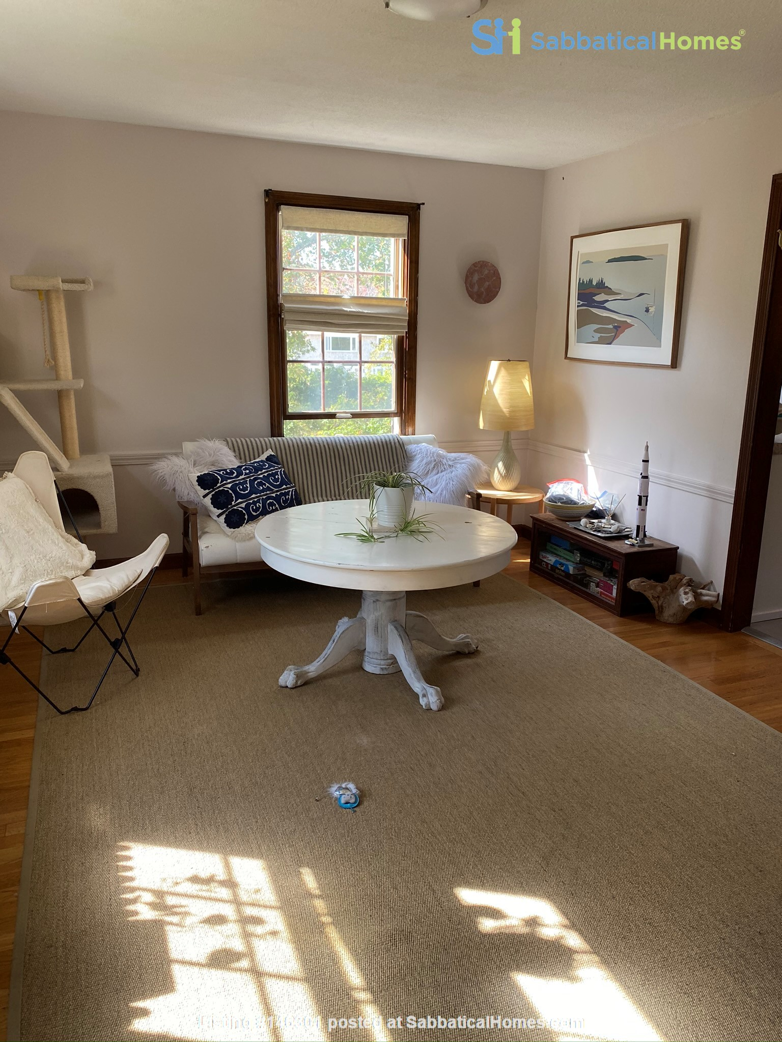 A quiet neighborhood offering coastal beauty and accessible location. Home Rental in Dartmouth 3