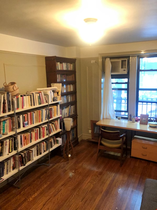 Beautiful Spacious 2BR/2 full bath duplex in Midtown w/outdoor space for'22 Home Rental in New York 4 - thumbnail