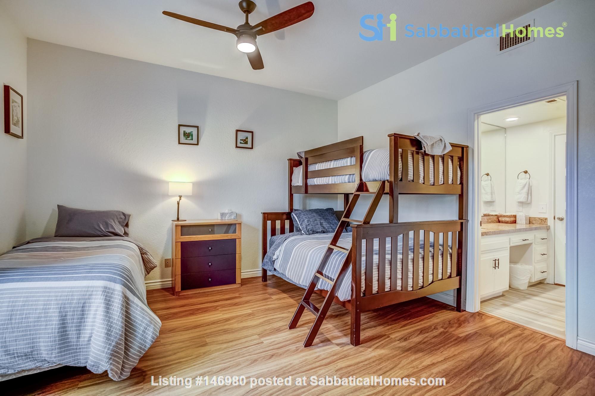 Fabulous Coastal Upgraded Home Home Rental in Encinitas, California, United States 6