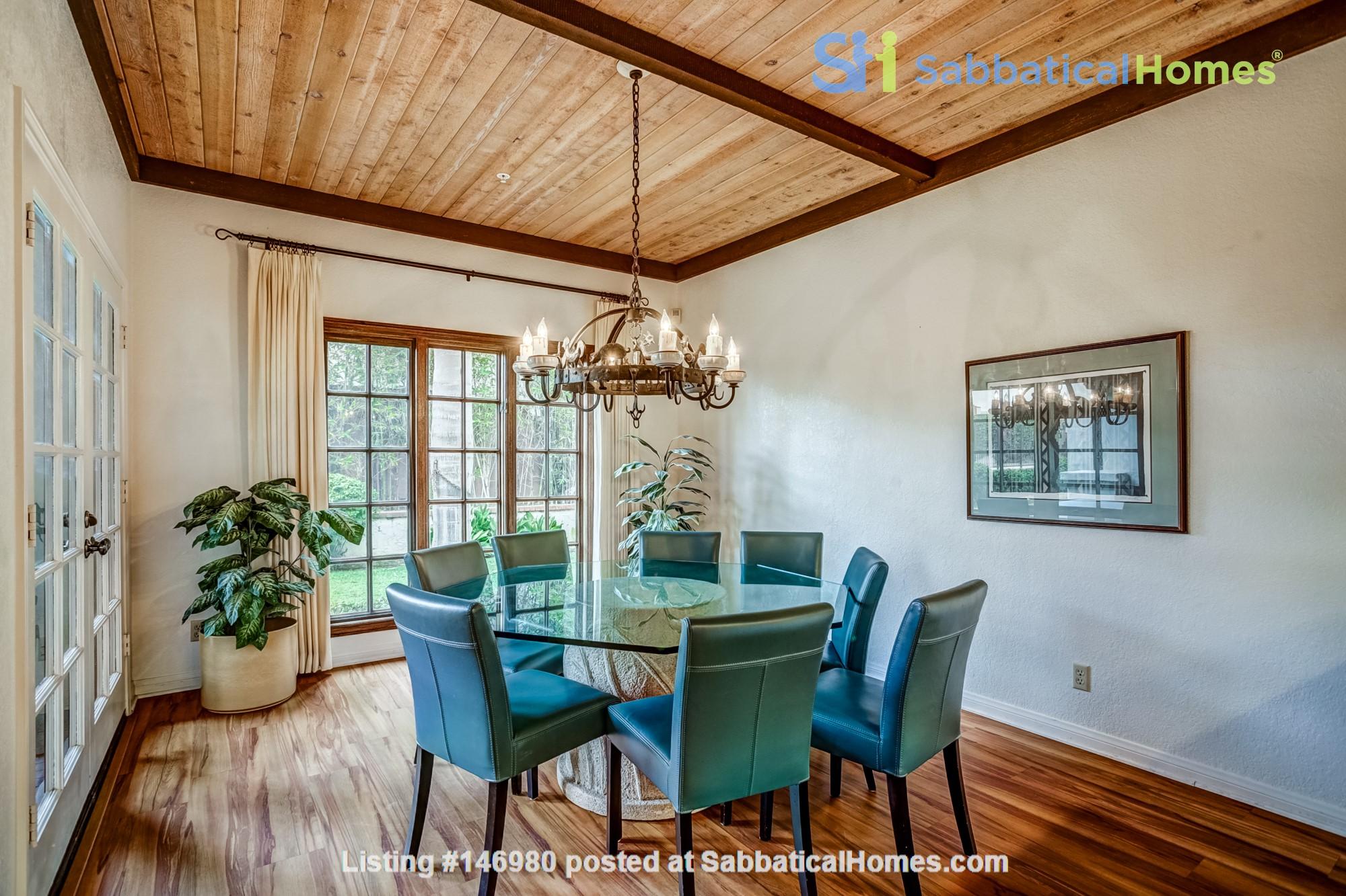 Fabulous Coastal Upgraded Home Home Rental in Encinitas, California, United States 2