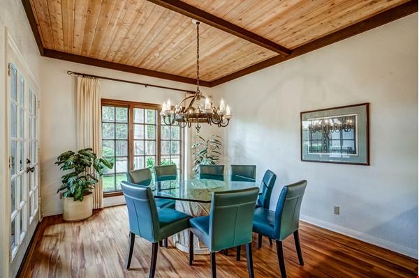Fabulous Coastal Upgraded Home Home Rental in Encinitas 2 - thumbnail