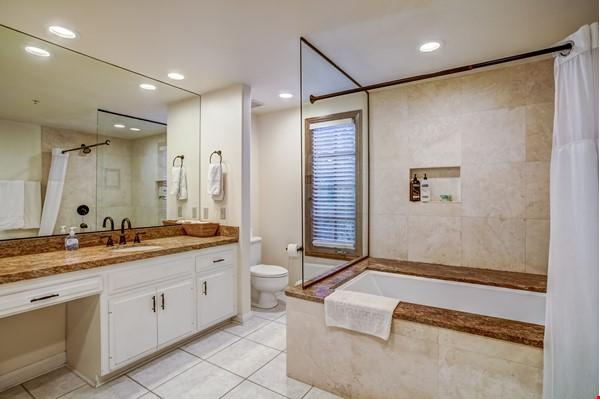 Fabulous Coastal Upgraded Home Home Rental in Encinitas 5 - thumbnail