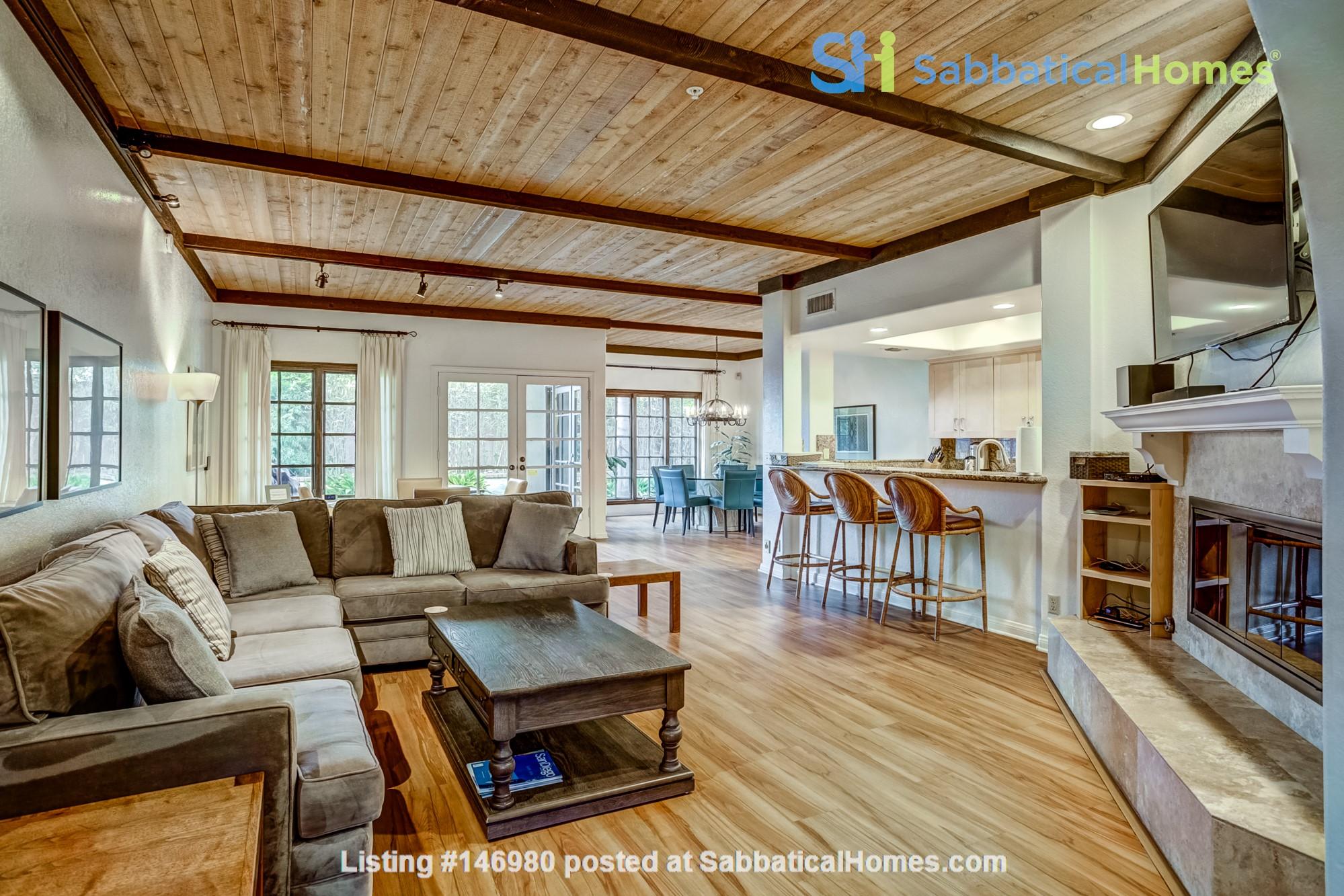 Fabulous Coastal Upgraded Home Home Rental in Encinitas, California, United States 1