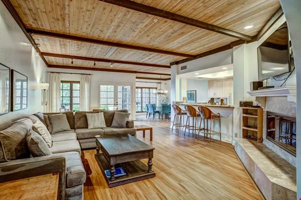Fabulous Coastal Upgraded Home Home Rental in Encinitas 1 - thumbnail