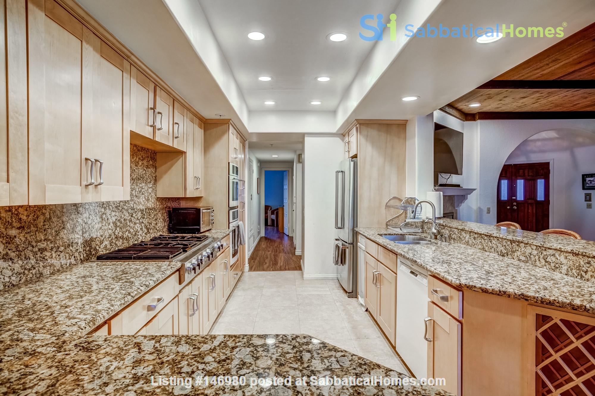 Fabulous Coastal Upgraded Home Home Rental in Encinitas, California, United States 3