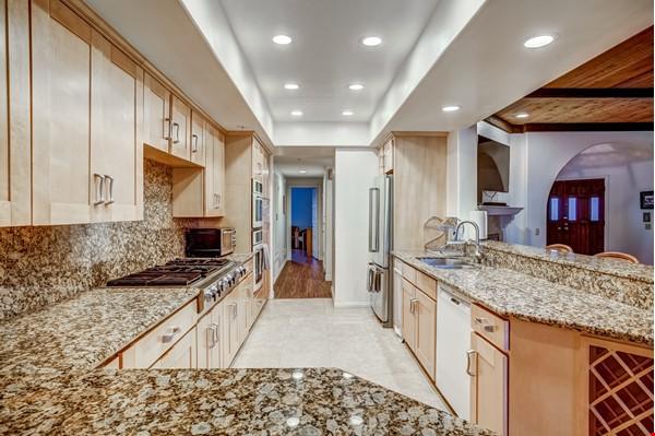 Fabulous Coastal Upgraded Home Home Rental in Encinitas 3 - thumbnail