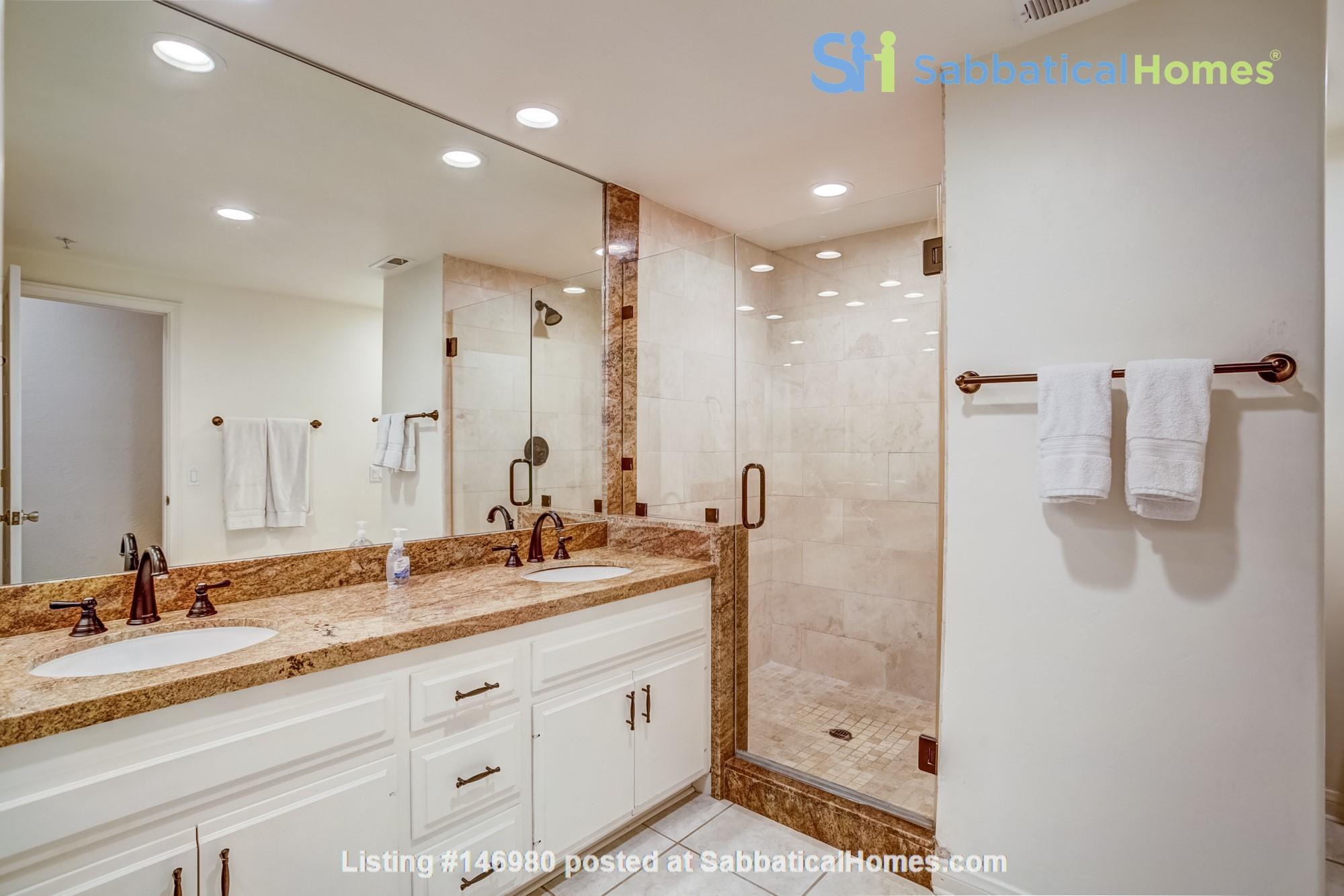 Fabulous Coastal Upgraded Home Home Rental in Encinitas, California, United States 8